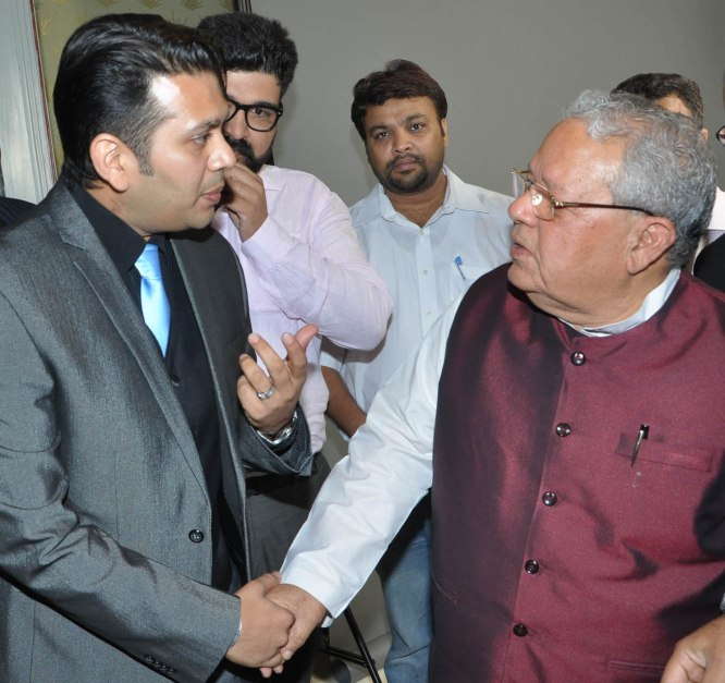 zenitex ceo viral desai with union minister kalraj mishra